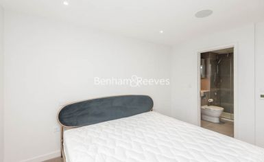 3 bedroom(s) flat to rent in Newton Close, Woodberry Park, N4-image 15