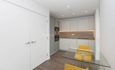 1 bedroom(s) flat to rent in Woodberry Park development, Highgate, N4-image 3
