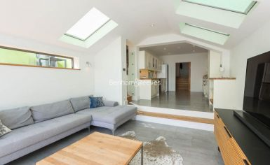 5 bedroom(s) house to rent in Muswll Hill Road, Highgate, N10-image 3