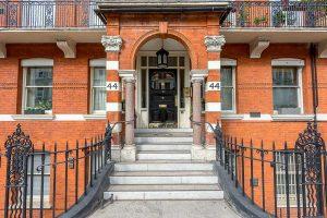 24-Nevern-Mansions,-44-Warwick-Road,-SW5-9TL
